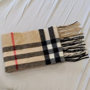 Burberry classic skinny blogger Nova check scarf
